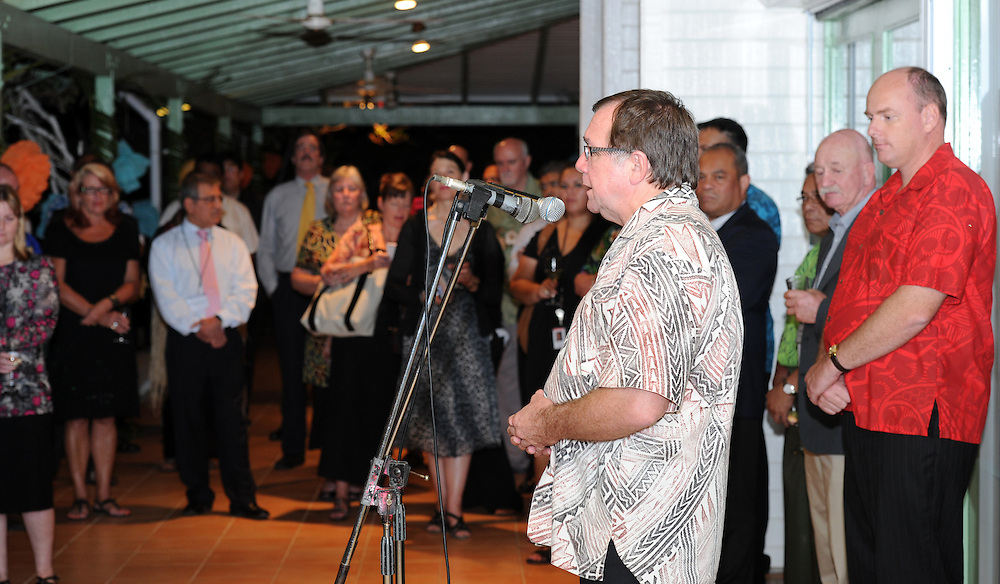 Minister of Foreign Affairs Murray McCully, with the High Commissioner Jonathan Austin at the reception at the New Zealand High Commission Residence, Pacific Mission 2012, Nuku'alofa, Tonga, Monday, July 23, 2012. Credit:SNPA / Ross Setford