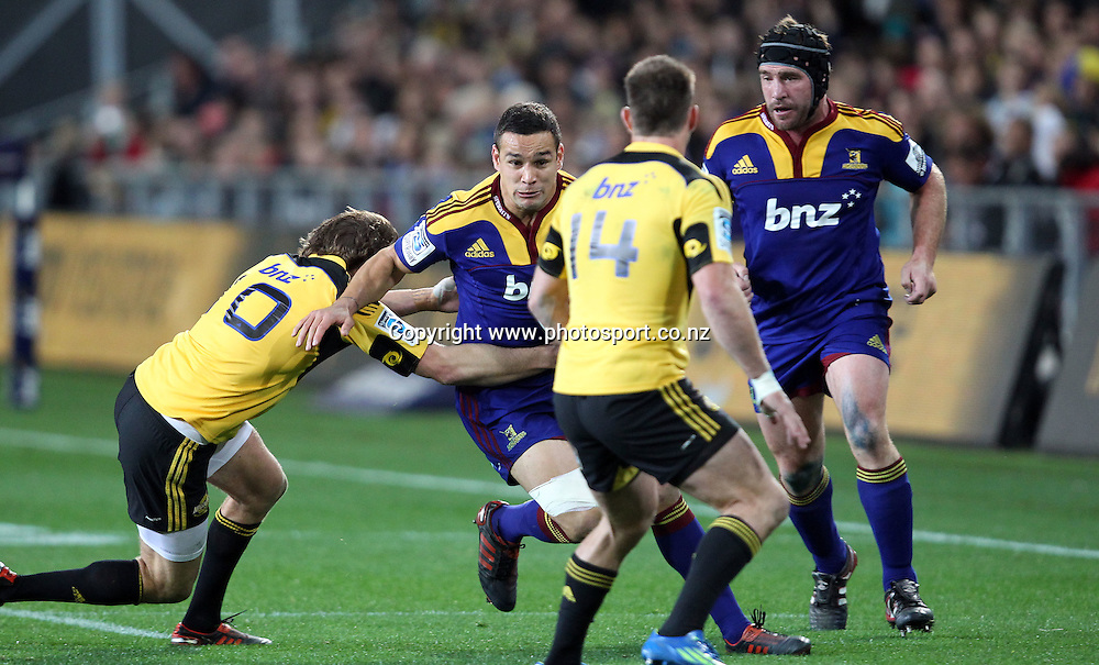 Tamati Ellison looks to bust the Hurricanes line.<br /> Investec Super Rugby - Highlanders v Hurricanes, 12 May 2012, Forsyth Barr Stadium, Dunedin, New Zealand.<br /> Photo: Rob Jefferies / photosport.co.nz