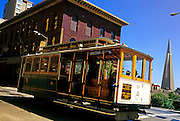Image of a cable car on Powell Street, San Francisco, California, America west coast