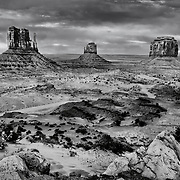 USA, West, Southwest, AZ, UT, Arizona, Utah, Navajo Reservation, Navajo Nation, Monument Valley, Mittens, The famed Mittens, calling card of Monument Valley Tribal Park, Utah and Arizona.