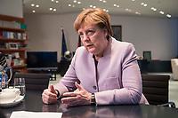 20 MAR 2017, BERLIN/GERMANY:<br /> Angela Merkel, CDU, Bundeskanzlerin, waehrend einem Interview, in ihrem Buero, Bundeskanzleramt<br /> IMAGE: 20170320-01-006<br /> KEYWORDS: B&uuml;ro