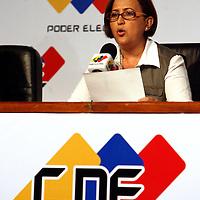 La presidenta del Consejo Nacional Electoral de Venezuela (CNE), Tibisay Lucena habla durante una conferencia de prensa hoy, 3 de diciembre de 2007, en Caracas, en la que informó que más del 50 por ciento de los venezolanos se pronunció en contra de la reforma constitucional propuesta por el presidente Hugo Chávez. (ivan gonzalez)