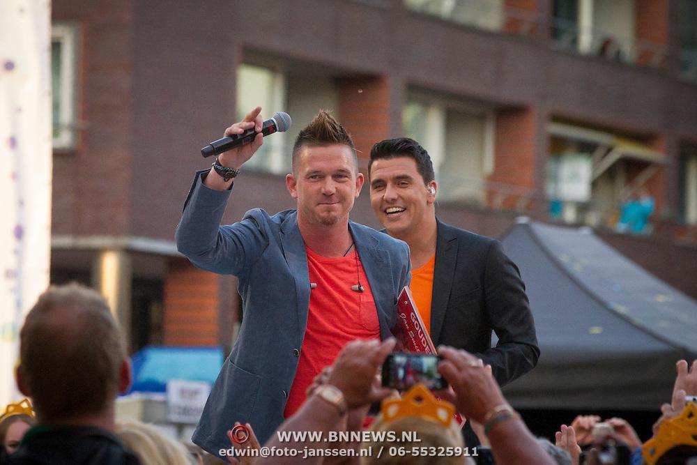 NLD/Amstelveen/20140610 - TROS Muziekfeest op het Plein 2014 Amstelveen, Johnny de Mol en Jan Smit