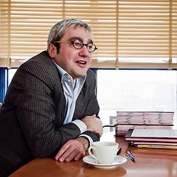 Portrait d'Emmanuel Hoog, president de l'Institut National de l'Audiovisuel (INA). Bry-Sur-Marne, France. 7 janvier 2010. Photo : Antoine Doyen pour Challenges. Tous droits reserves.