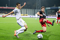 ROTTERDAM - Excelsior - Vitesse , Voetbal , Eredivisie , Seizoen 2015/2016 , Stadion Woudestein , 31-10-2015 , Vitesse speler Kevin Diks (l) met voorzet die geblokt word door Excelsior speler Jurgen Mattheij (r)