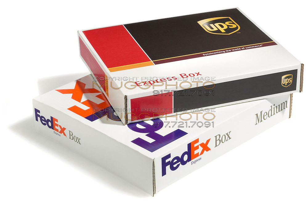 fed ex and ups shipping box