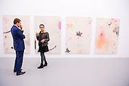 26-11-2016 - AMSTERDAM - Prins Constantijn met kunstenares Caterina Silva der Nederlanden opent donderdagavond 26 november 2015 Amsterdam Art Weekend en RijksakademieOPEN. De opening van dit kunstevenement vindt plaats bij de Rijksakademie van beeldende kunsten in Amsterdam. De prins houdt een korte toespraak. Ruim 50 Amsterdamse culturele instellingen, vertegenwoordigd door Amsterdam Art, en zo'n 50 internationale kunstenaars van de Rijksakademie tonen bij dit evenement de laatste ontwikkelingen en trends in de hedendaagse beeldende kunst. Het is de eerste keer dat de Rijksakademie en Amsterdam Art het kunstweekend gezamenlijk openen. COPYRIGHT ROBIN UTRECHT