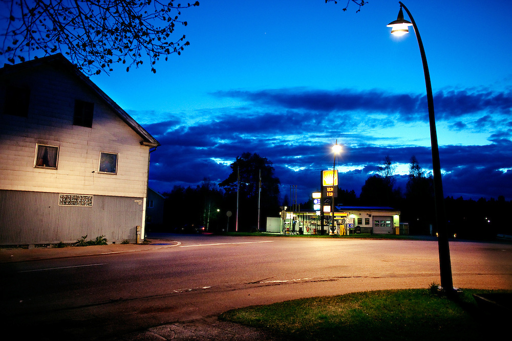 The centre of Enviken. .Sweden, Enviken, Dalarna. Enviken is a small village in the northern part of Sweden, the people who lives here still dreams about the fifties and people dress, listens to rockabilly music and call themselves rockabilly. The peak for the rockabillygeneration was during the 80´s and the dream was almost dying with that generation. Today there is a new upcoming band called Little Andrews and the Rythm Boys with musicians in the age of 14-18 playing old school rockabilly. .Photographer: Åsa Sjöström/Moment, Sydsvenskan.