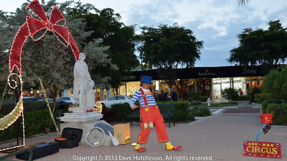 Spaghetti the Clown at St. Armand's Circle | Dave Hutchinson ...