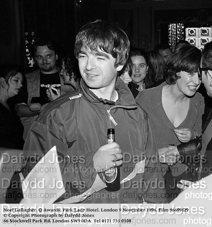 Noel Gallagher. Q Awards. Park Lane Hotel. London 9 November 1996. Film 96699f29<br /> &copy; Copyright Photograph by Dafydd Jones<br /> 66 Stockwell Park Rd. London SW9 0DA<br /> Tel 0171 733 0108