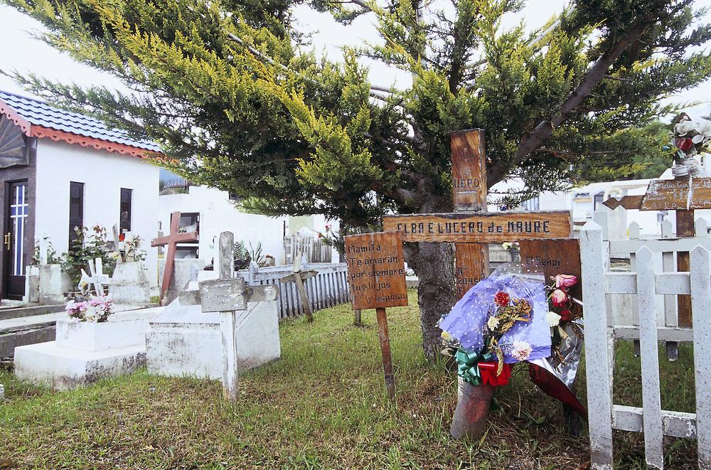 CIMETIERE CATHOLIQUE DE USHUAIA, TERRE DE FEU, ARGENTINE
