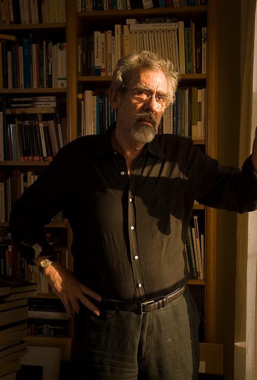 António Barreto, sociologist