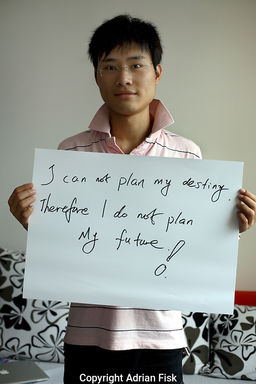 Alex li - 22 yrs.<br /> Student international economic trading.<br /> Guangdong Province.<br /> <br /> 'I can not plan my destiny, therefore I do not plan my future'.