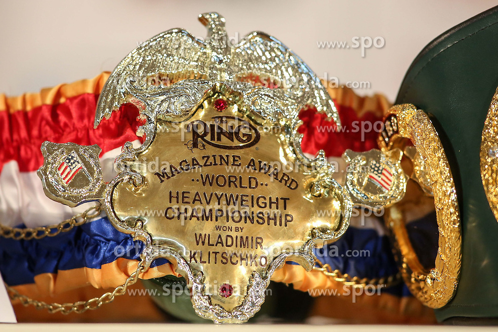21.07.2015, Esprit Arena, D&uuml;sseldorf, GER, WBA Boxkampf, Wladimir Klitschko vs Tyson Fury, im Bild Magazine Award - World heavyweight championship // during a pressconference of the WBA fight between Wladimir Klitschko and Tyson Fury at the Esprit Arena in D&uuml;sseldorf, Germany on 2015/07/21. EXPA Pictures &copy; 2015, PhotoCredit: EXPA/ Eibner-Pressefoto/ Sch&uuml;ler<br /> <br /> *****ATTENTION - OUT of GER*****