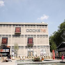 Espace de pause aux Docks 76, nouveau centre commercial construit par Unibail. Architecte : Wilmotte et associes. Rouen, France. 3 juin 2009. Photo : Antoine Doyen