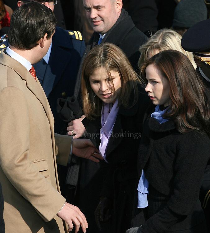(012009  Washington, DC)  Jenna and Barbara Bush are seated for the inauguration, Tuesday,  January 20, 2009.   Photo by Angela Rowlings.