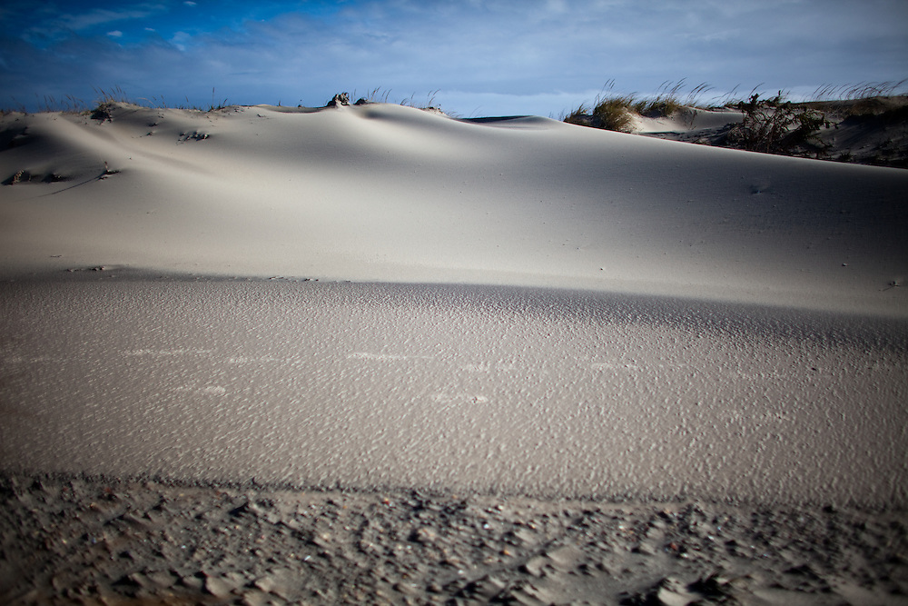dune formation In that time the dunes have formed a barrier that has separated little sea, a  freshwater lake, from the sea itself at the northern end of the peninsula the  dunes.