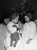 1960 - Carol singers at the Mansion House
