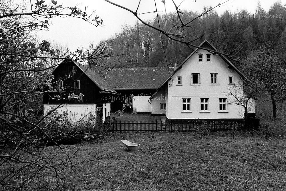 Vaclav Havel's village house - cottage - Hradecek, north Bohemia, 1991