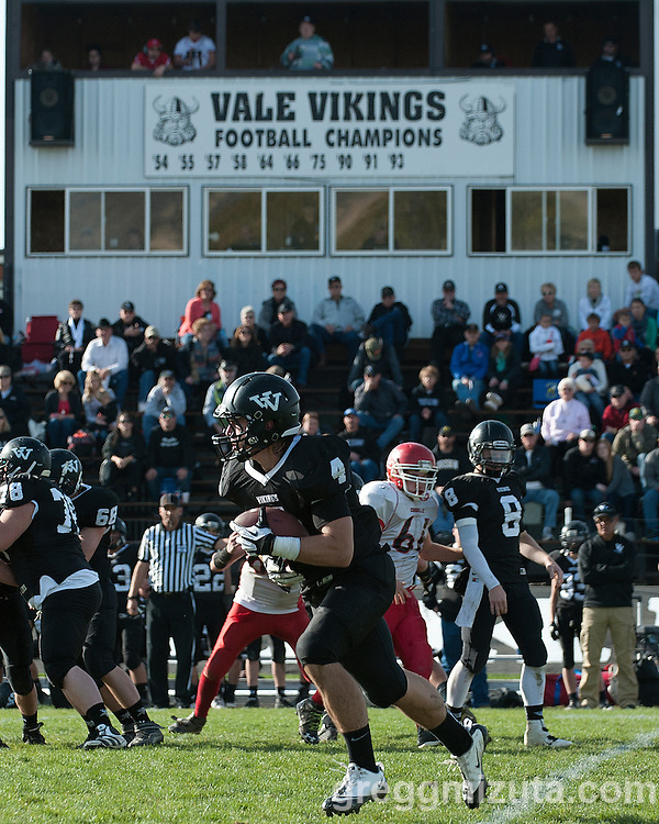 Vale - Coquille 3A round one football playoff game at Frank Hawley Stadium, Vale, Oregon, November 8, 2014