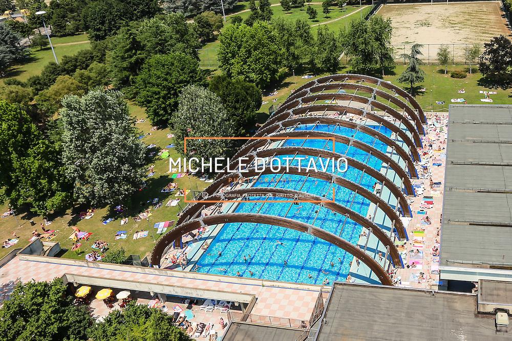 Torino, piscina scoperta Colletta<br /> Estate in citt&agrave;, le piscine sono &quot;Oasi urbane&quot;