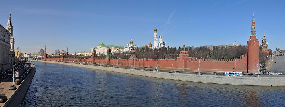 Kremlin Wall, Kremlin towers, Kremlyovskaya naberezhnaya, Moscow Russia