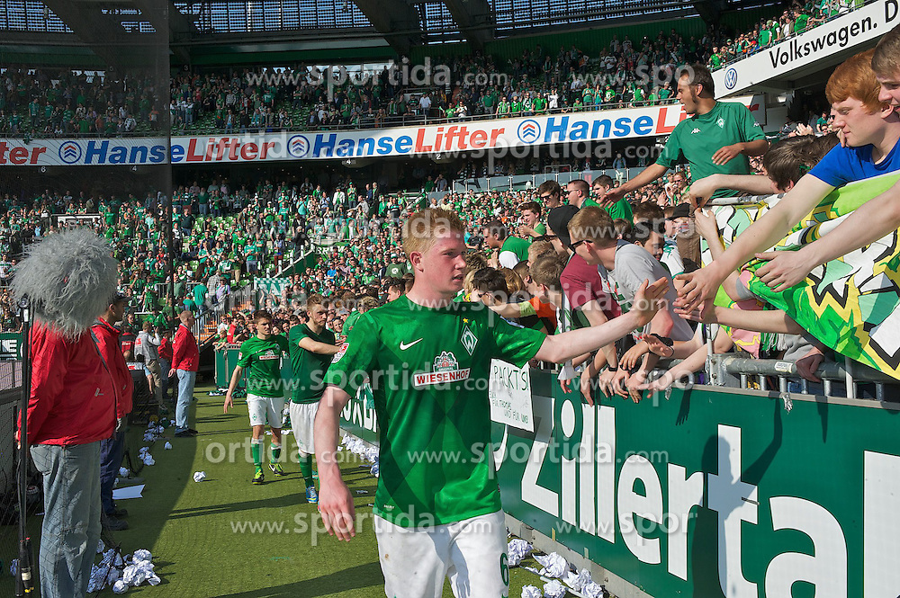 04.05.2013, Weserstadion, Bremen, GER, 1. FBL, SV Werder Bremen vs TSG 1899 Hoffenheim, 32. Runde, im Bild Kevin de Bruyne (Bremen #6) nach dem Abpfiff in der Fankurve // during the German Bundesliga 32nd round match between the clubs SV Werder Bremen vs TSG 1899 Hoffenheim at the Weserstadion, Bremen, Germany on 2013/05/04. EXPA Pictures © 2013, PhotoCredit: EXPA/ Andreas Gumz ***** ATTENTION - OUT OF GER *****