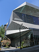 Exterior facade, glass window pattern, Seattle Public Library, designed by Dutch architect Rem Koolhaas, finished in 2004. Address: 1000 Fourth Ave, Seattle, Washington 98164, USA.