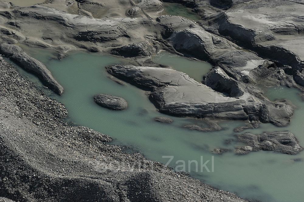 Gletscherbach/Gletschersee - Das Schmelzwasser kommt von der Pasterze (Gletscher am Großglockner) ist mit etwas mehr als 8 km Länge der größte Gletscher Österreichs und der längste der Ostalpen. Nationalpark Hohe Tauern, Österreich.