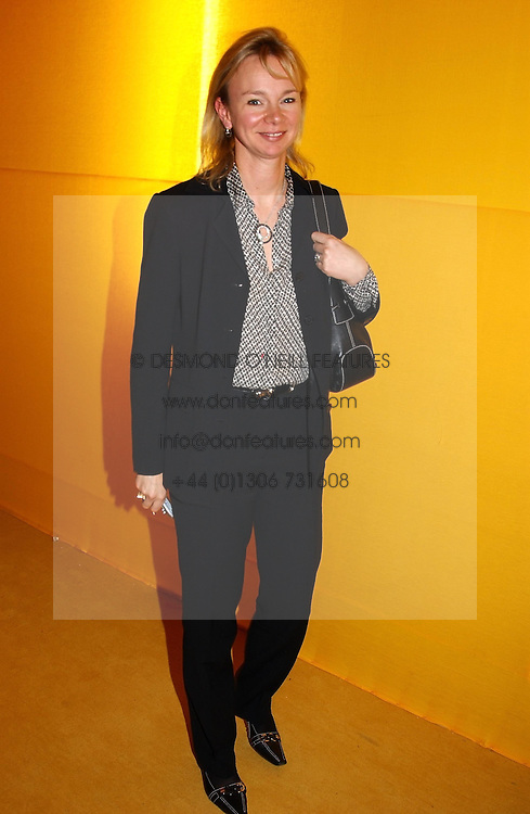 The COUNTESS OF DERBY at a private view of the 2004 Frieze Art Fair - a major exhibition attended by most of the leading contempoary art dealers held in Regents Park, London on 14th October 2004.NON EXCLUSIVE - WORLD RIGHTS