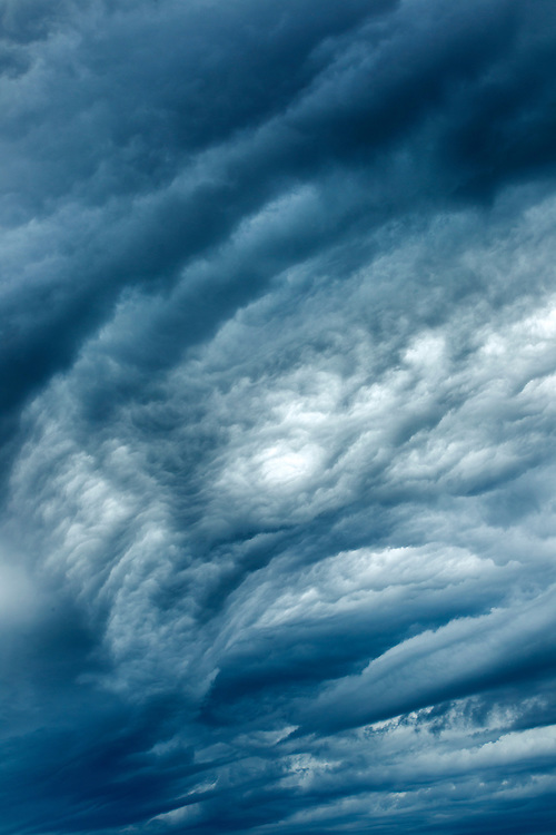 Canada, Manitoba, Churchill, Summer storm clouds above Hudson Bay