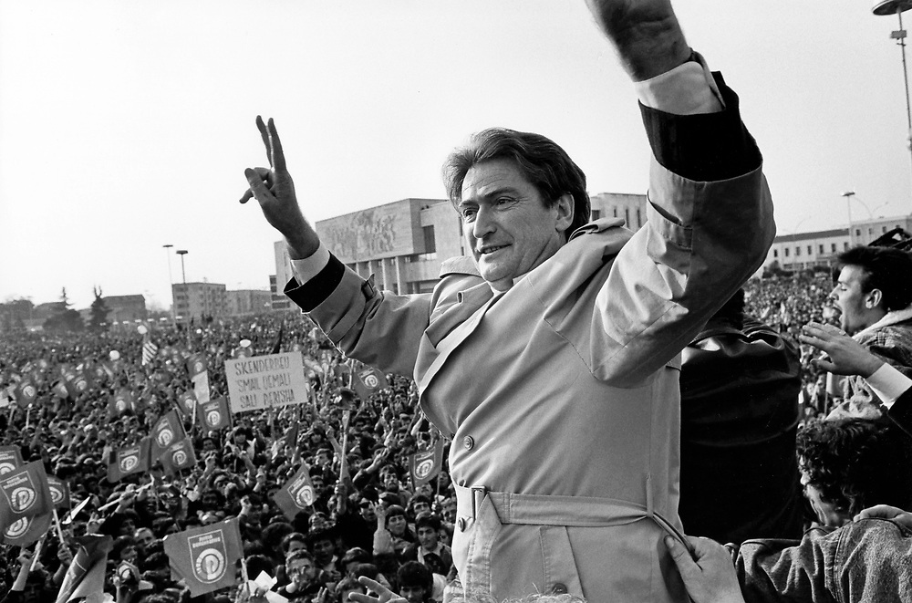 ALBANIA - Albanien - 1992 - Second democratic elections.Transition from communism to democracy; Victory Party - Sali Berisha, the new president in Tirana; 03/1992; © Christian Jungeblodt