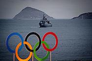 RIO DE JANEIRO - Extreme beveiling op het strand aan de Copacabana in Rio de Janeiro. In de Braziliaanse hoofdstad vinden dit jaar de Olympische Spelen plaats. ANP ROBIN UTRECHT