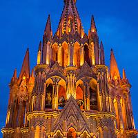 SAN MIGUEL DE ALLENDE , MEXICO - MAY 31 : La parroquia de san miguel arcangel church in San Miguel de Allende , Mexico on May 31 2015 The church Gothic facade was constructed in 1880