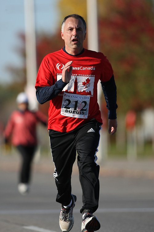(Ottawa, ON---18 October 2008) PIERRE DUPUIS runs in the 2008 5km challenge at the TransCanada 10km Canadian Road Race Championships. Photography copyright Sean Burges/Mundo Sport Images (www.msievents.com).