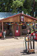 The T-Bird Cafe in Peeples Valley, Arizona, specializes in pissa baked in a wook-fired oven.