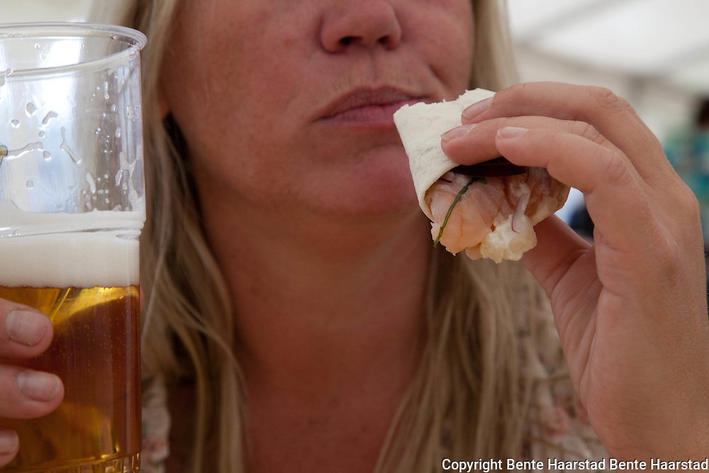Fjellburger laget av reinkjøtt, og wraps med rakfisk var blant lokalmaten på menyen.