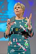 AMSTERDAM - Prinses Laurentien en Ruben Nicolai presenteren de Ambitie-agenda 2015-2025 van de Leescoalitie. Deze coalitie van vijf landelijke spelers op het gebied van leesbevordering, streeft ernaar dat over tien jaar geen enkel kind school verlaat met een leesachterstand, en dat alle volwassenen geletterd zijn of bezig dat te worden. COPYRIGHT ROBIN UTRECHT