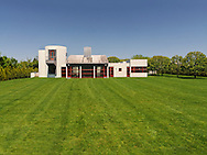 Modern Home, Daniels Lane, designed by Charles Gwathmey, Sagaponack, New York