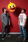 Daniel Morales, izquierda, y Renzo Villacaba, creativos de la agencia Ogilvy, fotografiados en las oficinas de la compañía en San Isidro.