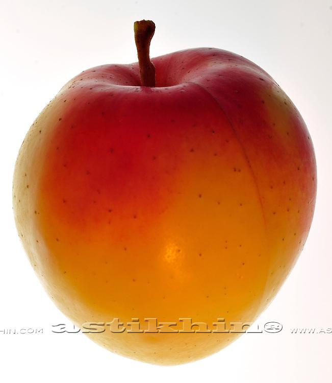 Low-fat, supper low-cholesterol apple.