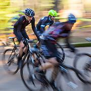 PE00350-00...WASHINGTON - Cyclocross bicycle race in Seattle.