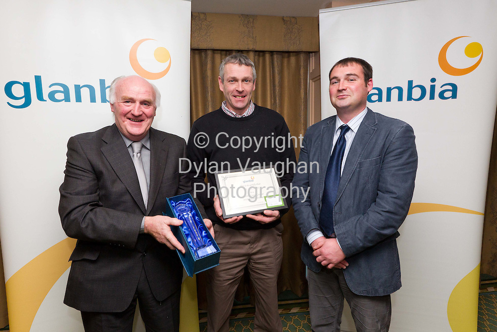19/11/2010..Pictured at the Glanbia Grain Awards 2010 at the Newpark Hotel in Kilkenny was from left winner of the Feed Wheat category, Pat McEvoy, Kilberry, Athy, Co Kildare (centre) with Victor Quinlan Chairman of the Glanbia Grain Committee (left) and Sean Boland, agribusiness manager Glanbia (right)....Picture Dylan Vaughan.