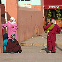 North Africa, Africa, Morocco, Marrakesh. Morrocan women in traditional dress.