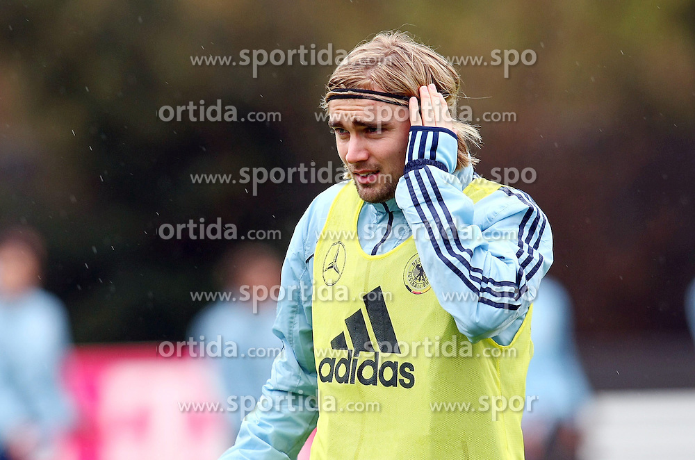 20.03.2013, Kleine Kampfbahn, Frankfurt, GER, FIFA WM Qualifikation, Training Deutschland, im Bild Marcel Schmelzer, Freisteller // during an practice session of German Footballteam // before the FIFA World Cup Qualifier at the Kleine Kampfbahn, Frankfurt, Germany on 2013/03/20. EXPA Pictures © 2013, PhotoCredit: EXPA/ Eibner/ Bildpressehaus..***** ATTENTION - OUT OF GER *****