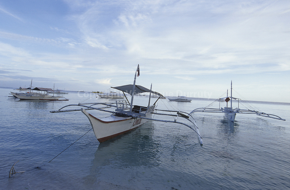 TRADITIONAL BOATS, ALONA BEACH, PANGLAO, THE VISAYAS, THE PHILIPPINES