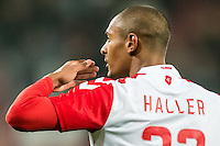 UTRECHT - Utrecht - Roda JC , Voetbal , Eredivisie, Seizoen 2015/2016 , Stadion Galgenwaard , 17-10-2015 , FC Utrecht speler Sébastien Haller bedankt zijn supporters
