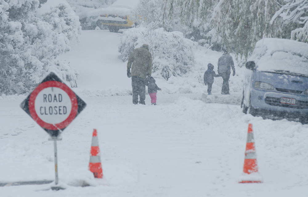 Snow closes Dyers Pass Road, Cashmere, Christchurch, New Zealand, Wednesday June 6, 2012. Credit: SNPA /  David Alexander.