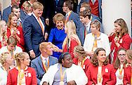 Liesette Bruinsma Marlou van Rhijn  21-9-2016 THE HAGUE - King Willem-Alexander and Her Royal Highness Princess Margriet of the Netherlands received Wednesday, September 21 at Palace Noordeinde the Dutch medal winners of the Paralympic Games in 2016 in Rio de Janeiro. Prior to the receipt by the King and Princess Margriet of the medal winners will be honored at the Grote Kerk in The Hague. Prime Minister Mark Rutte, State Secretary Martin van Rijn of Health, Welfare and Sport, the chairman of the Dutch Paralympic Committee, Wim L&uuml;deke and Chef de Mission Andr&eacute; Cats speak them. COPYRIGHT ROBIN UTRECHT<br /> 21-9-2016 DEN HAAG - Koning Willem-Alexander en Hare Koninklijke Hoogheid Prinses Margriet der Nederlanden ontvangen woensdag 21 september op Paleis Noordeinde de Nederlandse medaillewinnaars van de Paralympische Zomerspelen 2016 in Rio de Janeiro. Voorafgaand aan de ontvangst door de Koning en Prinses Margriet worden de medaillewinnaars gehuldigd in de Grote Kerk in Den Haag. Minister-president Mark Rutte, staatssecretaris Martin van Rijn van Volksgezondheid, Welzijn en Sport, de voorzitter van het Nederlands Paralympisch Comit&eacute;, Wim Ludeke en Chef de Mission Andr&eacute; Cats spreken hen toe. COPYRIGHT ROBIN UTRECHT