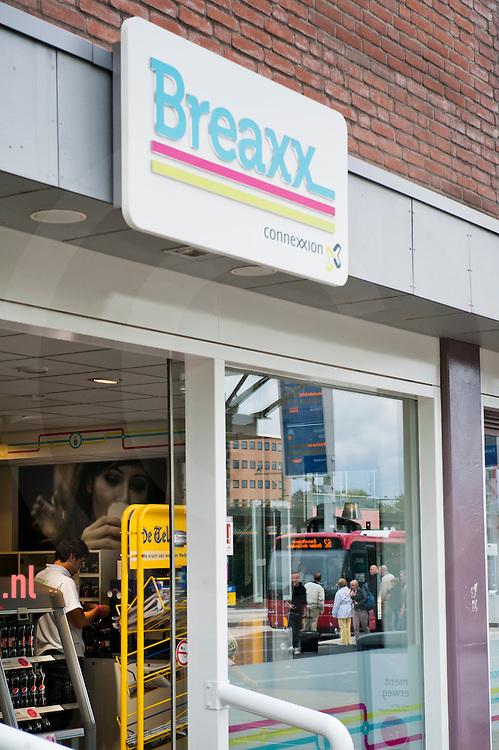 Nederland, enschede 28aug2011 vestiging van breaxx aan het stationplein in Enschede. foto: Cees Elzenga/ hetoog.nl